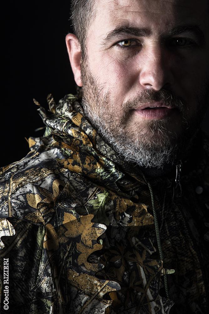 portrait de Thomas Nazaret Photographe animalier, photographe de sport, photographe d'entreprise à vaux sur seine